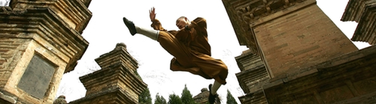 High-stepping monk performs amazing moves at Shaolin Temple